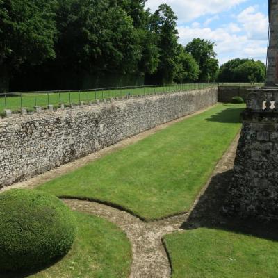 Chevry-en-Sereine : parc du château