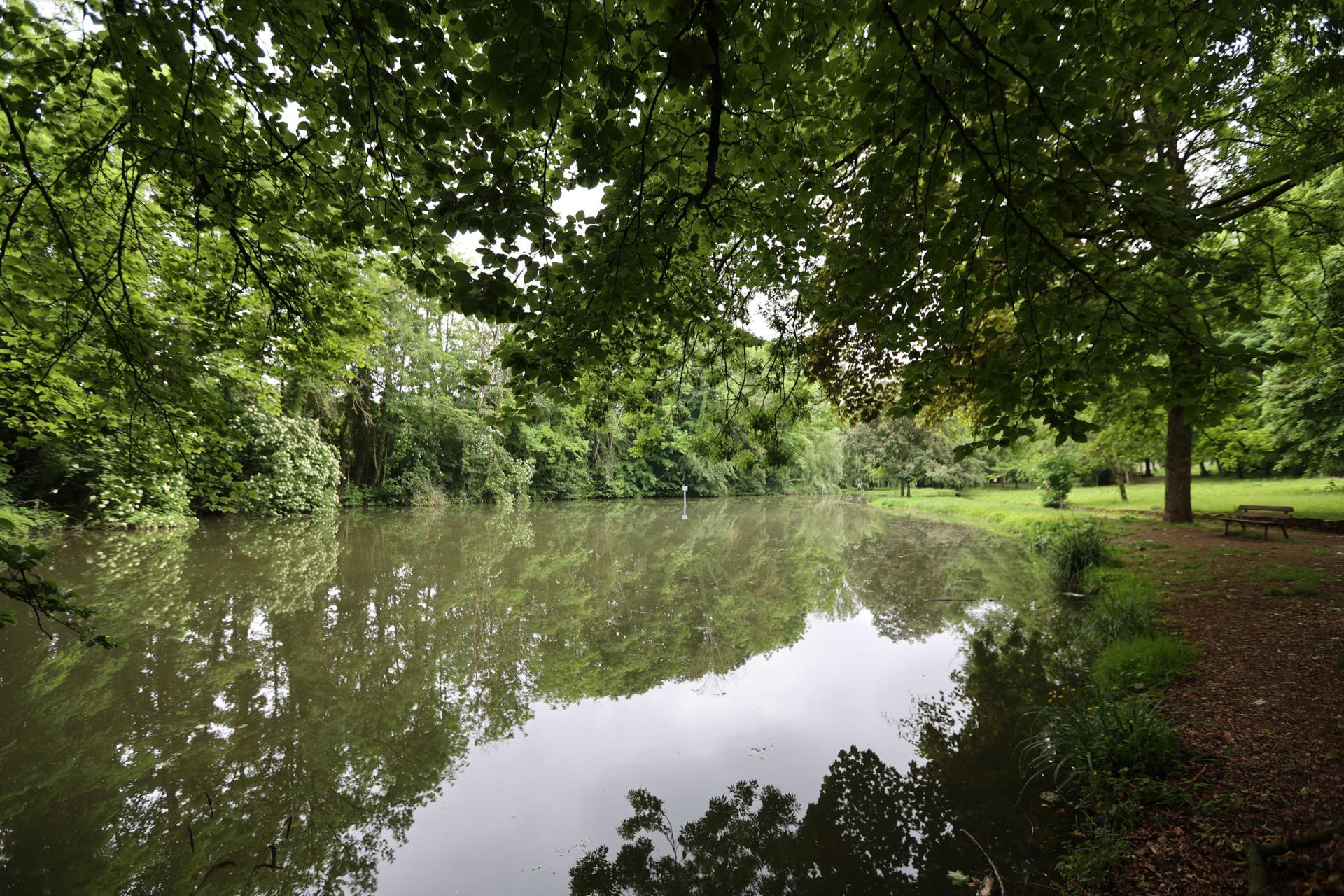 Melun Domaine parc Debreuil
